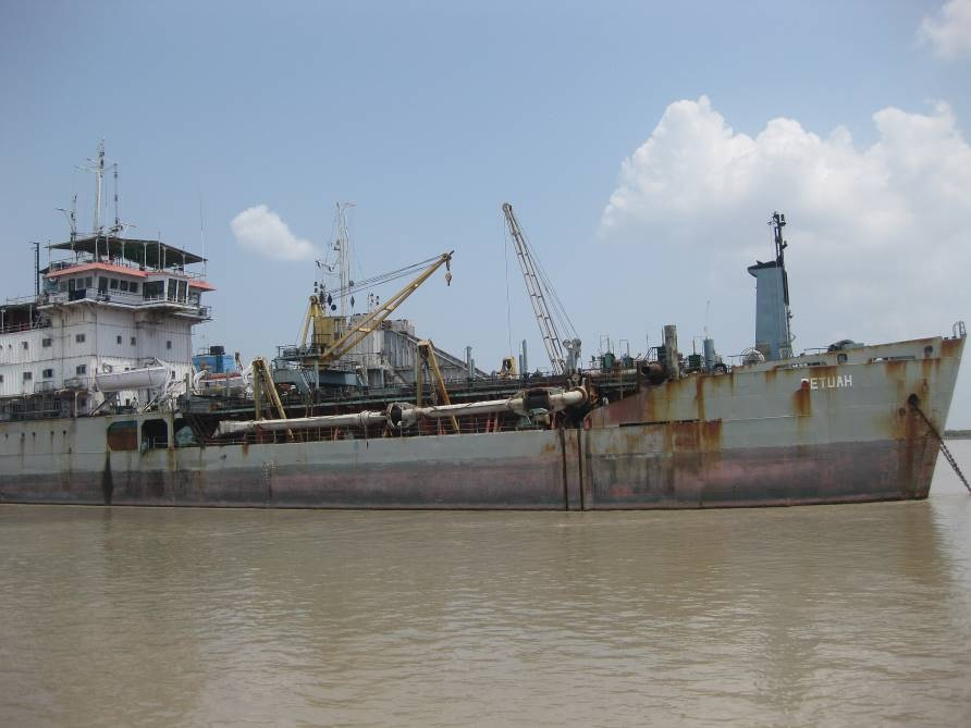 Announcement of Dredgers for Sale