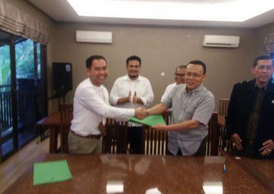 Penandatanganan Surat Penyelesaian Hutang PT Ambangpers ke PT Rukindo
